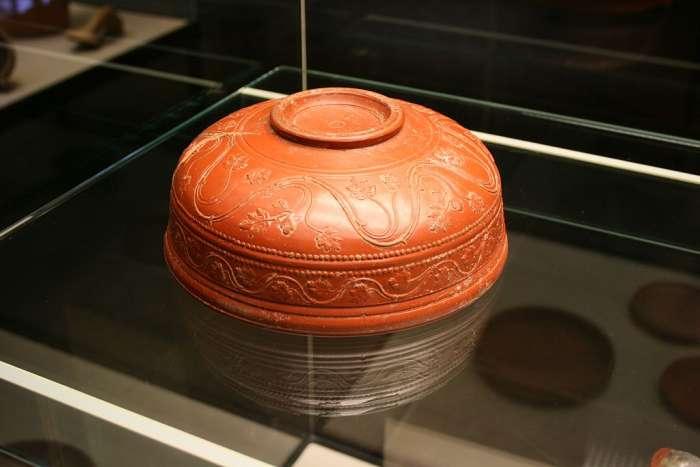 Římská arretinská nádoba