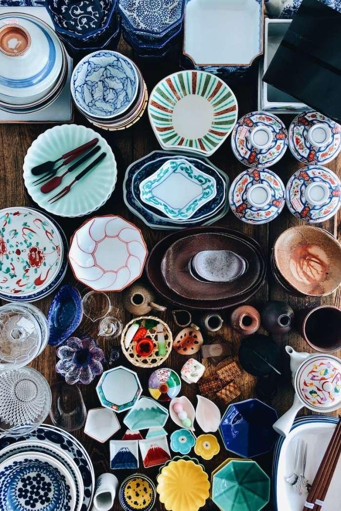 Bohatý sortiment japonského stolního nádobí