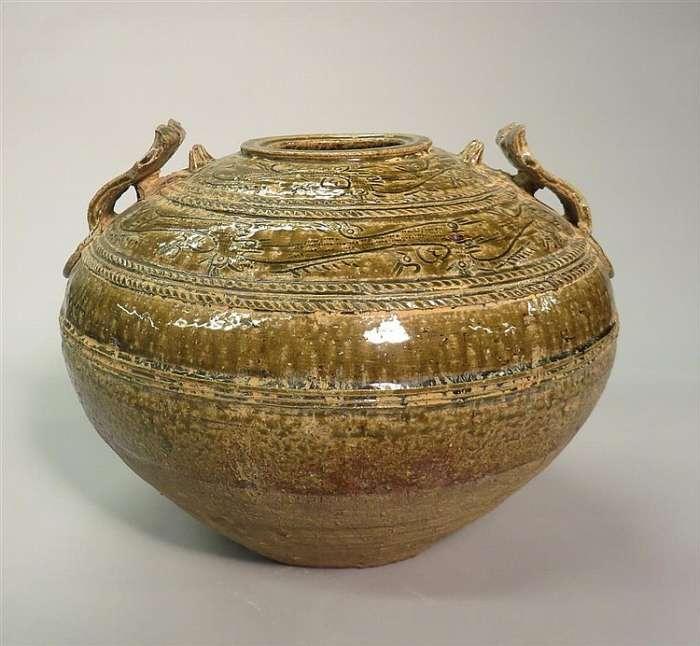 Protoporcelán pozdní západní dynastie Han (200 př. n. l. až 200 n. l.)