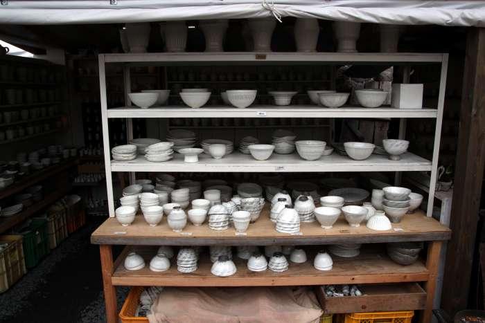 Ukázky prodávané keramiky.